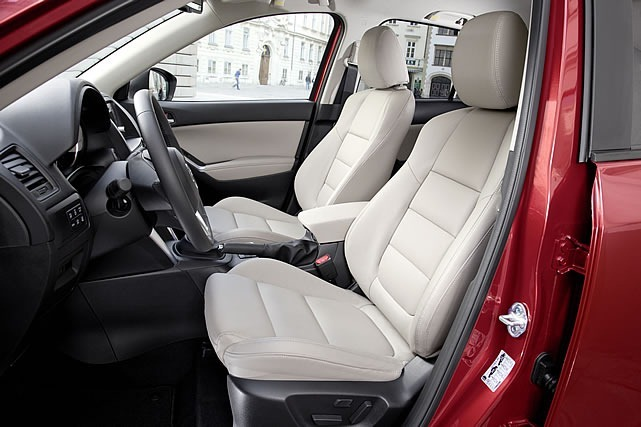 cx_5_white_interior