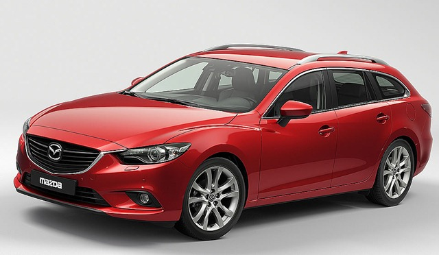 新型Mazda6 アテンザワゴン ソウルレッド