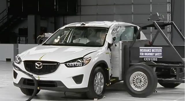 IIHS_test_CX5-1