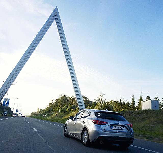 Mazda3_Moskau3_de